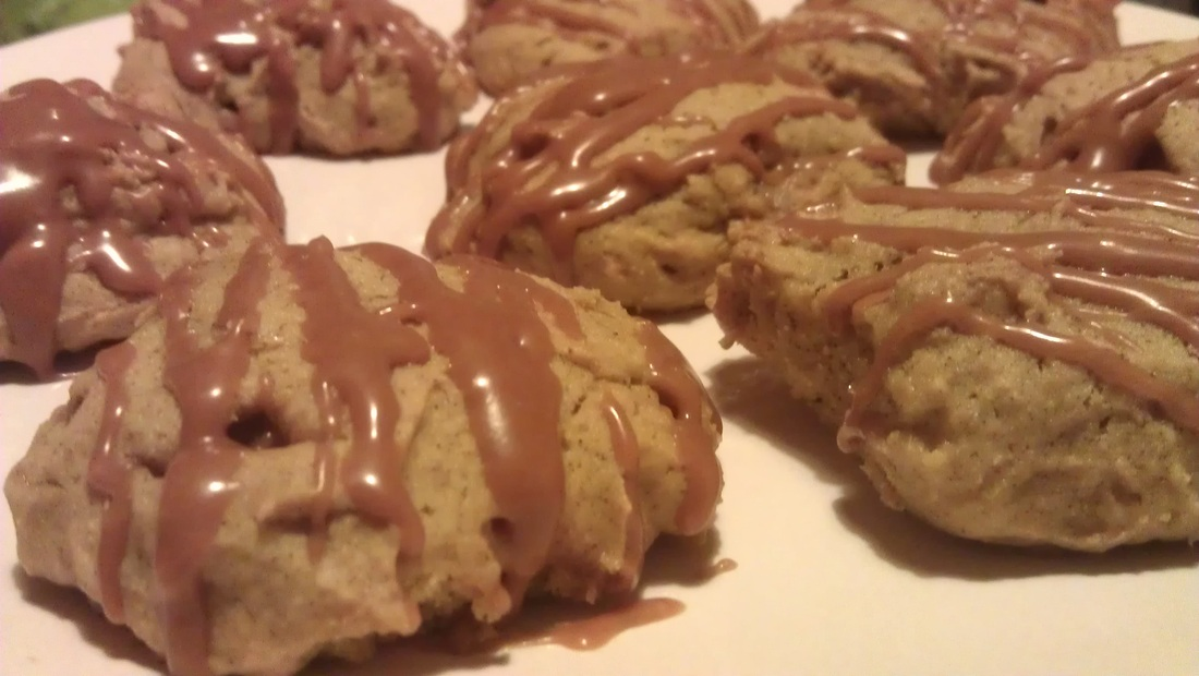 Spiced Pumpkin Fudge Cookies with Salted Caramel Glaze ...
